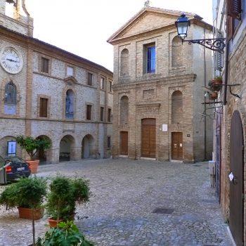 1c Grottammare_Piazza_Peretti